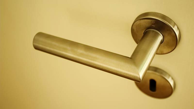 Poignée de porte installée par un serrurier lyon à un très bon prix